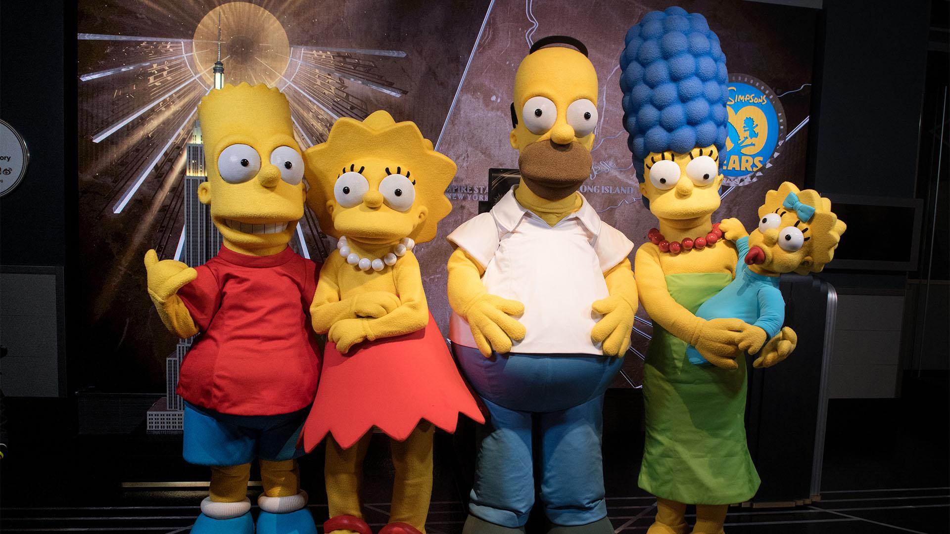 A Simpson-család Balenciaga-modellnek állt