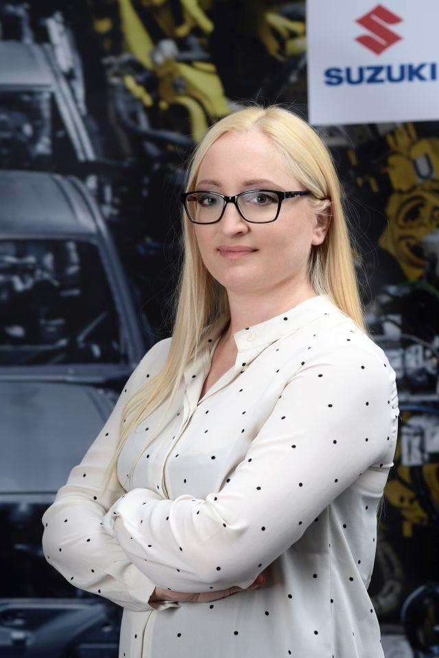 """Bonnár-Csonka Zsuzsanna, a Magyar Suzuki Zrt. vállalati kommunikációs vezetője: """"A hibrid modellek 10-15 százalékkal csökkentik a fogyasztást és a szén-dioxid-kibocsátás mértékét hagyományos megfelelőjükkel szemben."""""""